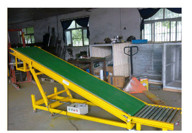 China Flat Belt Shipping Roller Conveyor , Live Roller Conveyor For Climbing supplier